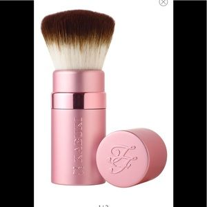 TOO FACED Retractable Kabuki Brush NIB